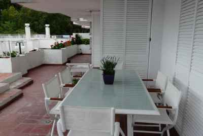 Недвижимость в курортном городе побережья Коста Брава с видом на море